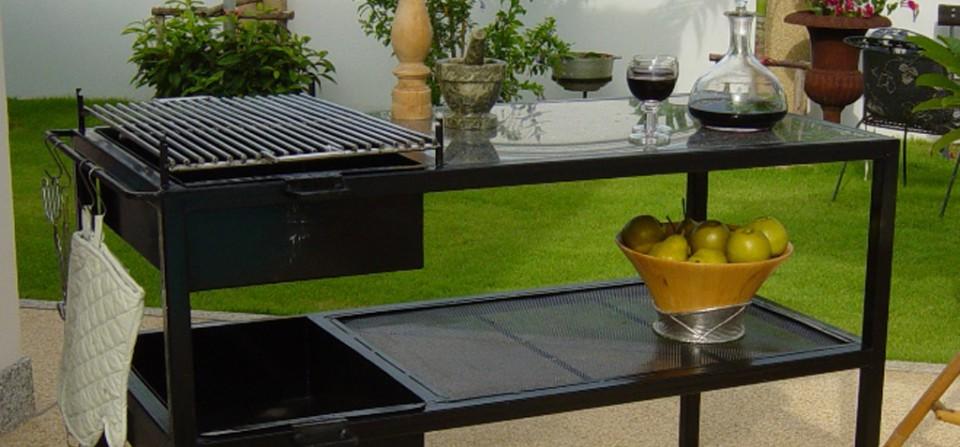 Grill bord designet af Jørgen. C. E Andersen